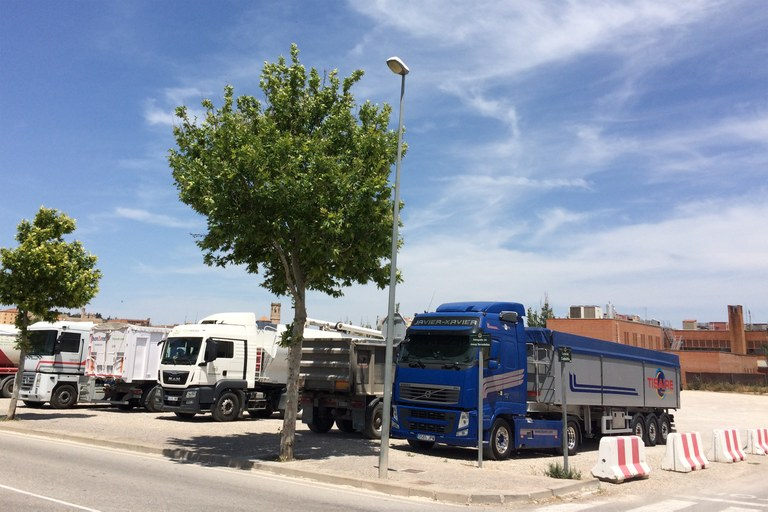 L'Ajuntament de Tàrrega autoritzarà l'aparcament de camions únicament a l'esplanada del CAP, mesura que s'aplicarà a partir de l'1 de juny