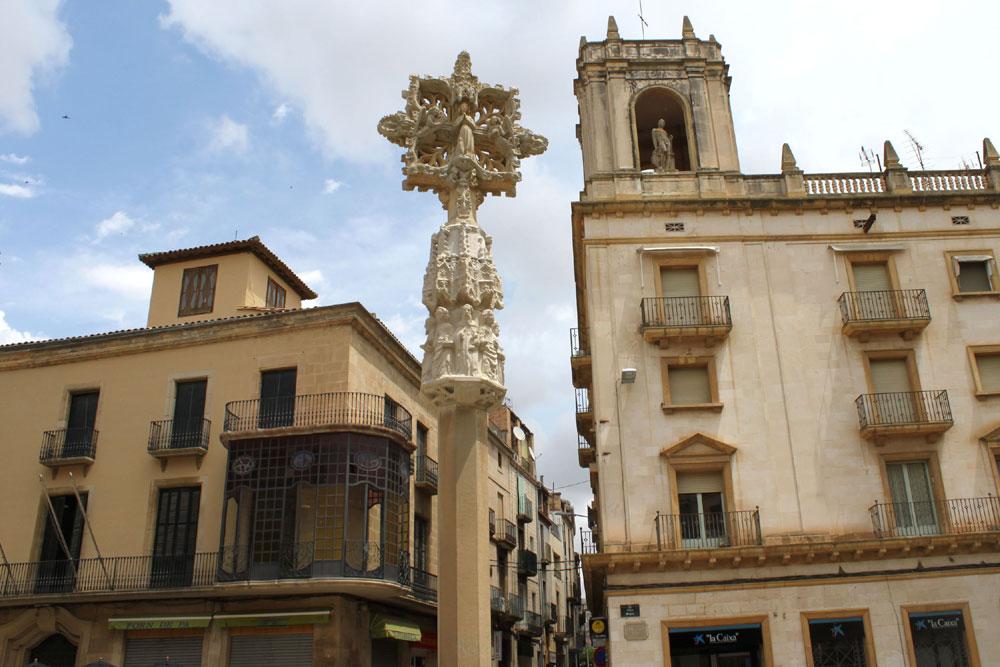Creu de Terme - Plaça Major