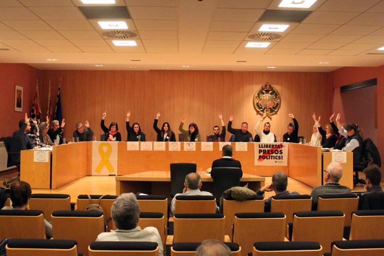 El Ple de Tàrrega aprova per unanimitat de posar llambordins Stolpersteine a la via pública en memòria de veïns deportats als camps de concentració nazis