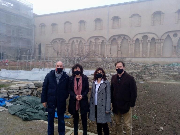 La consellera d'Agricultura, Teresa Jordà, visita Mas Colom de Tàrrega, centre neuràlgic de la producció de pistatxo de l'empresa Borges